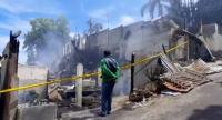 10 Rumah Dinas Guru Terbakar, Kepala Sekolah dan Suaminya Tewas