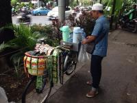 Pemerintah Rumuskan UU Bersepeda, Bagaimana Nasib Tukang Somay hingga Kopi Keliling?