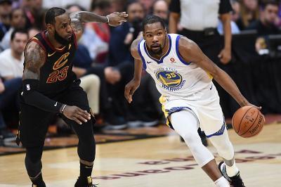 Kevin Durant Tak Kecewa Kerap Kalah Bersaing dari LeBron James