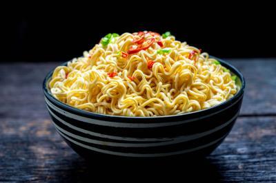 Menjadikan Mi sebagai Pengganti Nasi yang Dikonsumsi Setiap Hari, Sehat Kah?
