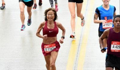 Nenek 70 Tahun Ini Pecahkan Rekor Dunia untuk Pelari Marathon Tercepat!