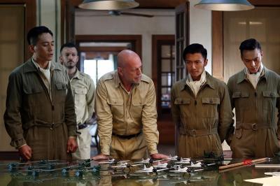 Film Terbaru Bruce Willis Batal Tayang di China