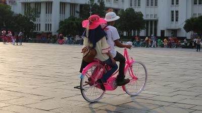Sepeda Onthel Jadi Favorit Wisatawan di Kota Tua