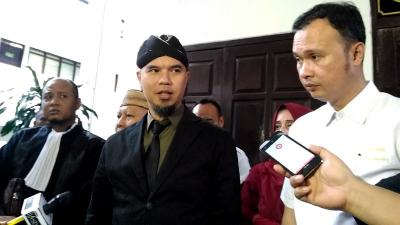 Dicekal, Ahmad Dhani Ngaku Rugi Miliaran Rupiah