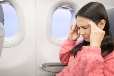 Segera Antisipasi, Gangguan Kesehatan Ini Sering Melanda Traveler yang Sering Naik Pesawat
