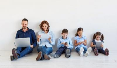 Pakai Gadget untuk Memantau Anak, Seberapa Efektif?