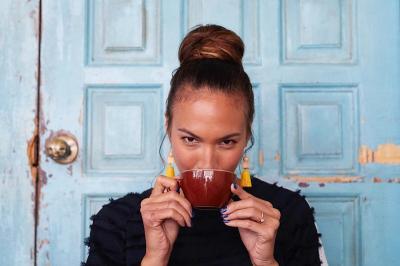 Hobi Traveling, Nadine Chandrawinata Rutin Konsumsi Makanan Ini untuk Jaga Stamina