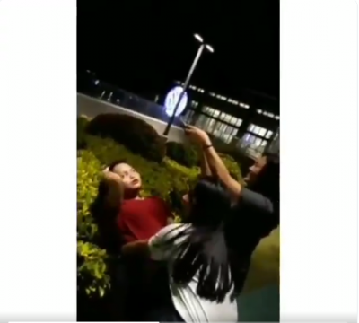 Demi Konten Foto Hits, Remaja Ini Sampai Tersungkur ke Semak-semak, Awas Ngakak!