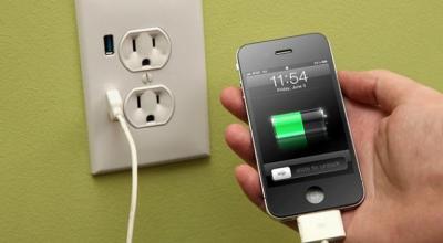 3 Tips Charging agar Ponsel Anda Awet