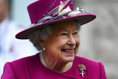 Ratu Elizabeth II Akan Beri Hadiah Natal untuk 550 Pegawai Istana Kerajaan