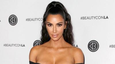 Payudara Sempat Menyembul di Depan Umum, Kim Kardashian Malah Upload di Insta Story