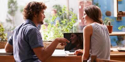 Biar Enggak Ilfeel, Lakukan 5 Tips Ini biar Kencan Pertama Sukses!