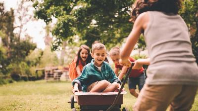 Tidak Hanya Menyenangkan, Bermain Bisa Perkuat Ikatan Emosional Orangtua dan Anak