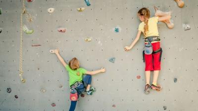 Sejak Usia 6 Tahun Anak Sudah Bisa Olahraga Panjat Tebing