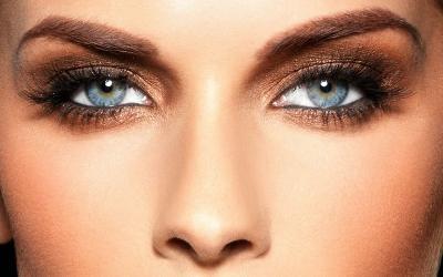 Agar Tidak Terlihat Sayu, Ini 4 Cara Mudah Bikin Riasan Mata Makin On Fleek