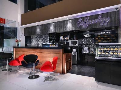 4 Hotel Seru untuk Staycation Paling Strategis di Jalan Gubeng