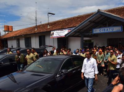 Sempat Ditutup, Presiden Jokowi Buka Kembali Stasiun Cibatu