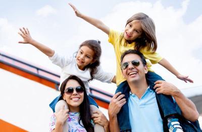 Enno Lerian Berbagi Tips Travelling Bawa 4 Anak