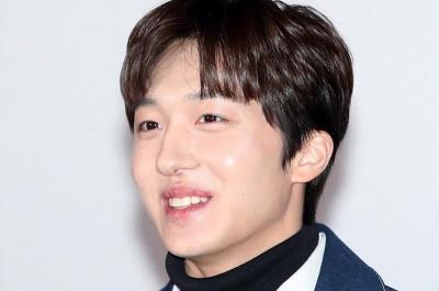 Chani Akui Bingung saat Cium Kim Bora di Sky Castle