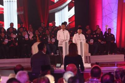 Ma'ruf Amin Tak Banyak Bicara saat Debat, Begini Komentar Netizen