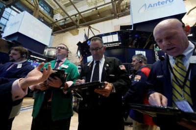 Wall Street Melesat Ditopang Keuntungan Emiten