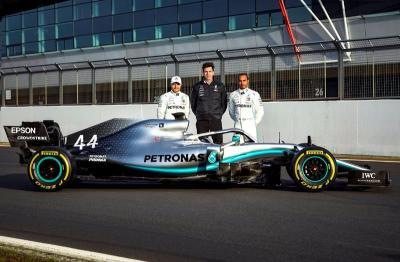 Mercedes Anggap Semua Tim di F1 2019 sebagai Ancaman
