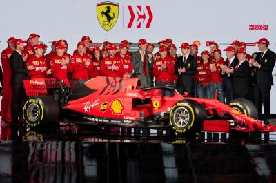 Vettel Tak Sabar Kendarai Mobil Baru Ferrari