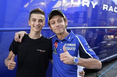 Rossi Yakin sang Adik Mampu Raih Gelar Juara di Moto2
