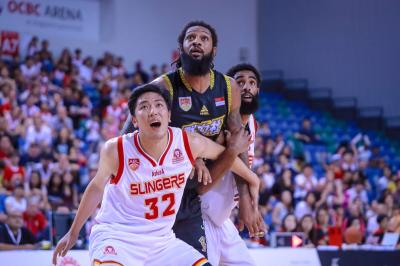 CLS Knights Indonesia Atasi Singapore Slingers lewat Overtime