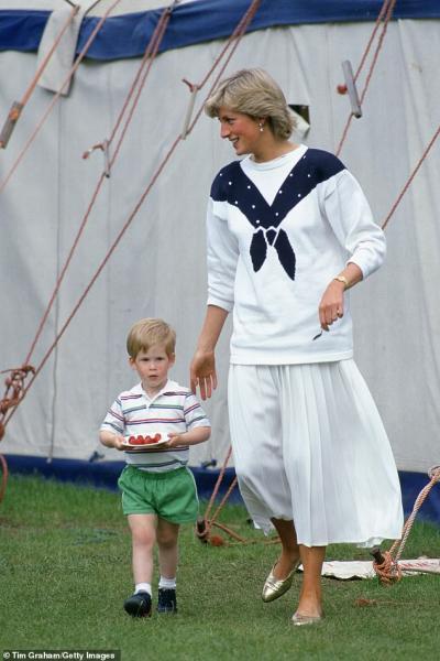 Ada Peraturan Soal Makanan, Putri Diana Tetap Izinkan Pangeran Harry Makan Cake