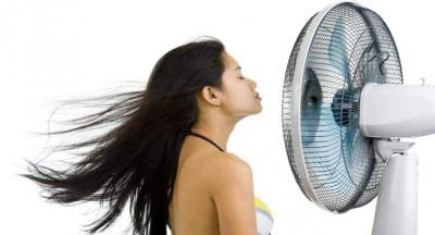Mana Lebih Bagus, Keringkan Rambut dengan Kipas Angin atau Hair Dryer?