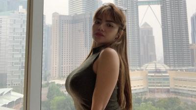 Dinar Candy Tampil Vulgar, sang Ayah Jatuh Sakit