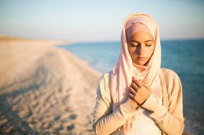 Didekatkan dengan Orang-Orang Baik, Baca Doa Puasa Ramadan Hari ke-16