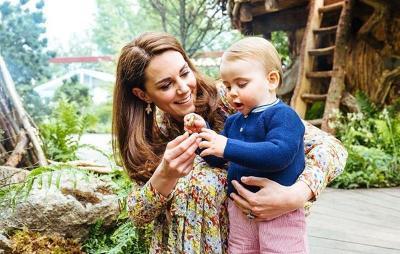 Pangeran William Ajak 3 Anaknya Main di Taman Rancangan Kate Middleton