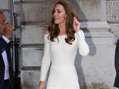 Netizen Tuduh Kate Middleton Salah Pakai Gaun, Ini Fakta Sebenarnya!