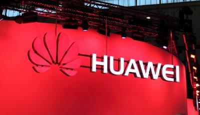 Huawei Tunda Penjualan Ponsel Lipat, Ini Alasannya