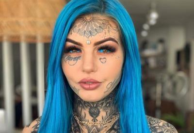 Modifikasi Tubuh, Wanita Ini Rela Warnai Mata Jadi Biru