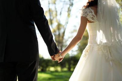 Viral Penjual Bakso Beri Mahar Pernikahan Toyota Fortuner!