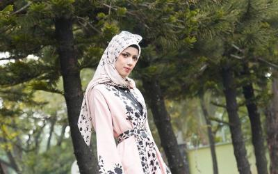 Unggah Tampilan Berhijab, Sabrina Kekasih Deddy Corbuzier Dipuji Netizen