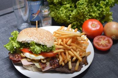 Perangi Makanan Siap Saji, Pria Ini Sukses Turunkan Berat 76 Kg!