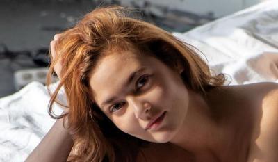5 Gaya Anna Anufrieva, PNS yang Dipecat karena Foto Syur