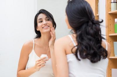 Kosmetik Mengandung Asam Hialuronat, Manfaatnya Sama dengan Filler?