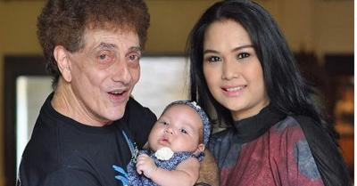 Punya Anak di Usia 73 Tahun, Ahmad Albar Dipanggil 'Papa Eyang'