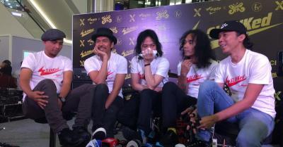 Konser di Medan, Slank Dikelilingi Bidadari Penyelamat