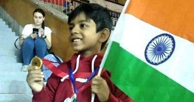 Bocah 8 Tahun Penyintas Kanker Raih Medali Emas Tenis Meja di Moskow