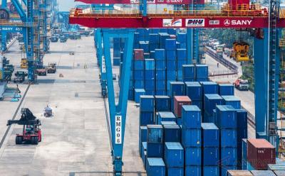 Menerjang Jalan Defisit Perdagangan