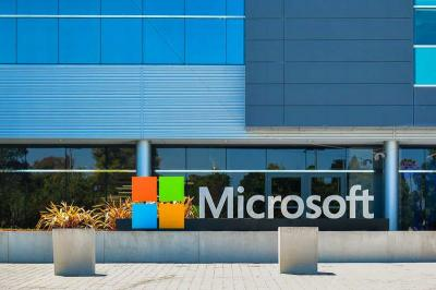 Saham Microsoft Meroket, Nyaris Pecahkan Rekor Ditopang Penjualan Cloud