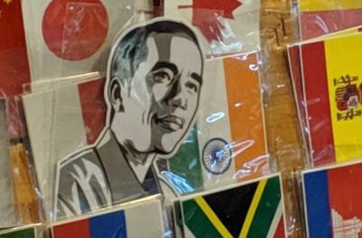 Pedagang Kaki Lima di Taiwan Jual Sticker Jokowi, Kok Bisa?