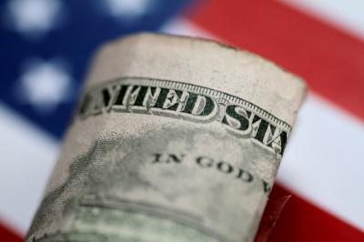Dolar AS Ditutup Menguat Usai Pagu Utang Disepakati