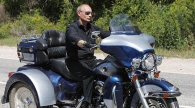 Presiden Vladimir Putin Kena Tilang Naik Motor Tak Gunakan Helm